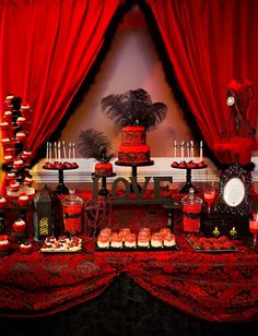 'HOT' Red But would use pink instead of red and Black Bridal Shower Dessert Table Buffet Dessert, Deco Buffet, Dessert Tables, Casino Party, Table Baroque, Black Dessert, Bridal Shower Desserts, Elegant Bridal Shower, Hollywood Party