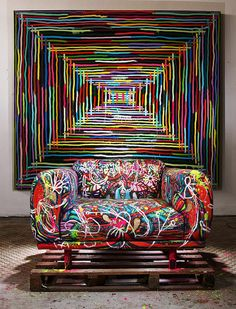 Armchair that Oppa donated to Studio 707 / Poltrona que a Oppa doou para o Studio Foto: Samuel Kim Art Furniture, Graffiti Furniture, Funky Furniture, Painted Furniture, Furniture Design, Cheap Furniture, Deco Originale, Funky Home Decor, Deco Design
