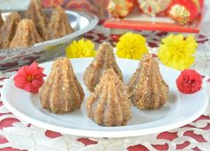Celebrate the festive season with some Unique Modak Recipes for Ganesh Chathurthi - for the family to enjoy and to gift friends and relatives as well! Indian Dessert Recipes, Indian Sweets, Oil Painting Tips, Painting Art, Watercolor Painting, Modak Recipe, Cupcake Decorating Tips, Indian Paintings, Abstract Paintings