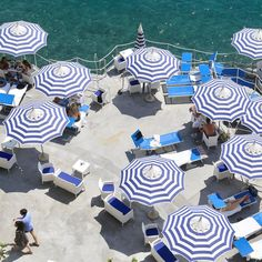 La Scogliera beach club in looking for things to do on the this summer? Amalfi Coast Tours, Amalfi Coast Positano, Positano Italy, Italy Tourism, Travel And Tourism, Italy Travel, Positano Beach, Capri Island, Isle Of Capri