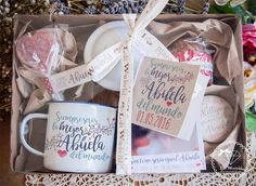 Lola Wonderful_Blog: DÍA DE LA MADRE 2016 - Regalos personalizados Diy Gift Baskets, Gift Hampers, Happy Day, Happy Mothers Day, Grandma Gifts, Gifts For Mom, Party In A Box, Wedding Boxes, Diy Birthday