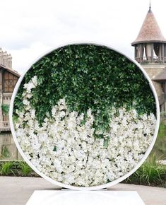 Round Flower Wall Wedding Backdrop With Greenery In The Upper Part Flower Wall Wedding, Floral Wedding, Wedding Flowers, Wedding Wall, Flower Wall Backdrop, Wall Backdrops, Arte Floral, Floral Wall, Ceremony Decorations