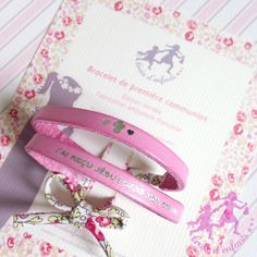 Bracelet de première communion Confirmation, Voici, Personalized Items, France, Bracelet, Religious Gifts, Original Gifts, Gift Ideas, Crosses