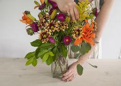 Truco para hacer el arreglo floral perfecto, paso a paso. | La Garbatella: blog de decoración de estilo nórdico, DIY, diseño y cosas bonitas.