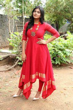 Hebah Patel at Vinnaithandi Vantha Angel Audio Launch Stills Beautiful Girl Indian, Beautiful Saree, Beautiful Indian Actress, Beautiful Actresses, Curvy Fashion, Girl Fashion, Fashion Beauty, Simple Kurta Designs, Hot Girls
