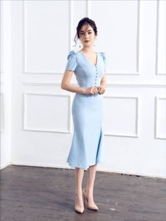 20 Gorgeous Office Attire Inspiration You Should Try This New Year - Feminine Buzz Source by yomibeltran Dresses Simple Dresses, Cute Dresses, Vintage Dresses, Beautiful Dresses, Casual Dresses, Short Dresses, Teen Dresses, Midi Dresses, Office Dresses