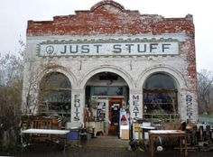 This is a wonderful place, near Lakeview, Oregon, smack dab on the border between California and Oregon.