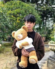Teddy bear museum🐻 #熱海 #伊東 #伊豆 #テディベアミュージアム #行ってきた #この写真 #鬼かわい子ぶってる #22歳男で #こんな顔するやつ #現実で目の前に現れたら #後ろから鼻フックしてやりたい Most Watched Videos, Inigo Pascual, Filipino Culture, Youtube Stars, Eye Candy, Handsome, Teddy Bear, Japanese, Wallpapers