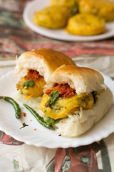 Mumbai Vada Pav recipe, How to make Mumbai Vada Pav, Vada Pav is a popular snack across Mumbai and Maharashtra. Indian Snacks, Indian Food Recipes, Vegetarian Recipes, Ethnic Recipes, Vada Pav Recipe, Ramzan Recipe, Kids Meals, Easy Meals, Chaat Masala