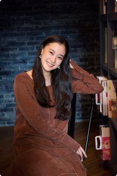 蒼井優 Yu Aoi, Fashion Art, Womens Fashion, Muse, Fashion Photography, Interview, Beautiful Women, Sari, Hairstyles