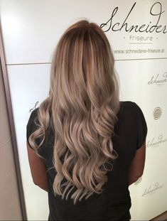 Balayage blonde hair color Blonde Balayage, Blonde Hair, Dark Blonde, Trends, Hair Color, Long Hair Styles, Beauty, Shaving Machine, Barber Salon