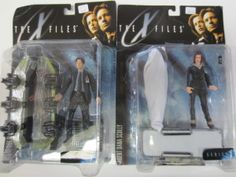 """This week we have a great pair of action figures to highlight for our """"Pick of the Week"""". It's everybody's favorite FBI agents Fox Mulder and Dana Scully from the hit TV show the X-Files. These figures were produced in … Continue reading → Dana Scully, Seal, Action Figures, Highlight, Fox, Pictures, Movie, Future, Lights"""