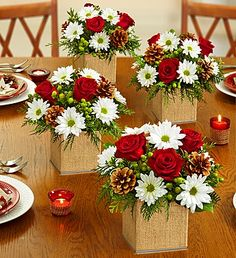 The Colors of Christmas Centerpiece set (available in sets of 2, 3 & 4) is such a lovely way to spread Christmas cheer, especially for holiday events! #Christmas #Red #White #Green #Flowers
