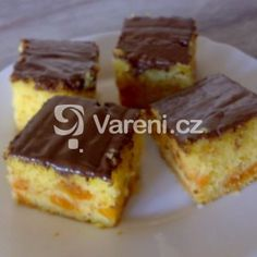 Mokrá buchta recept - Vareni.cz Brownie Cupcakes, Pine Cone Decorations, Home Recipes, Desert Recipes, Sweet Recipes, French Toast, Cheesecake, Deserts, Food And Drink