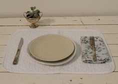 Linen Quilted Placemat in WHITE