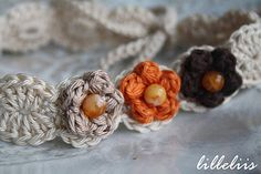 Lovely headband. This would be really pretty in white or ivory with pearls as the beads.