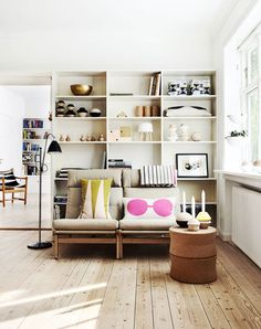 Inspiration notebook of an interior designer. Modern interiors, iconic design furniture, fresh trends and design history.