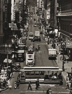 Powell St. in San Francisco 1947. Photographer:  Max Yavno