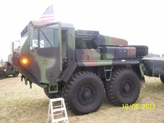 USMC LVS (Logistics Vehicle System) version of US Army's HEMTT (Heavy Expanded Mobility Tactical Truck) Oshkosh Corporation