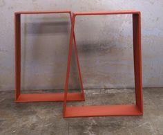 Patas metálicas de la mesa barra trapecio por SteelImpression