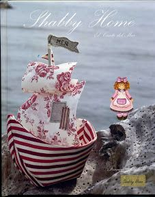 Shabby Home, La Gioia del Natale. Shabby Home, The Joy of Christmas Fabric Crafts, Sewing Crafts, Diy Crafts, Scrap Fabric, Sewing Toys, Shabby Home, Shabby Chic, Craft Projects, Sewing Projects