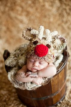 J Teasy Crochet Pattern ~ Santa's Reindeer Red Nose ~ this hat is a great photography prop good for both boys and girls, great baby shower gift .It can be made in many colors: white, brown, cream, baby pink or baby blue... you choose it. The pattern comes in 4 sizes: Preemie, Newborn, 0-3 months, 3-6 months