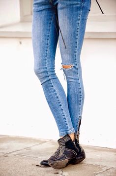 Jeans + Boots #aninebing