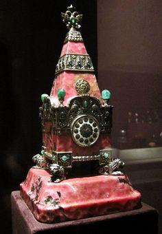 Kremlin Tower Clock, 1913; Rhodonite, silver, enamel, emeralds, sapphires. Peter Carl Fabergé, Russian. via oscarpetefan - Flickr - Photo Sharing!