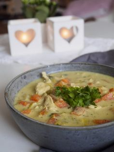 Cheeseburger Chowder, Thai Red Curry, Broccoli, Favorite Recipes, Ethnic Recipes, Passion, Food, Meals, Yemek