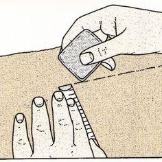 Cojín cilíndrico sin reborde de cordón forrado.  Para dibujar los costados del cojín necesitarás una plantilla circular.    Toma un cuadrado de papel y dóblalo en cuatro. Desde la esquina A mida el radio de los costados y dibuja un cuarto de circunferencia (mira patrones circulares).  http://www.trucosymanualidades.com