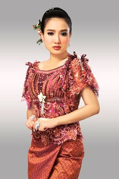 Khmer Clothes in Cambodia Thai Traditional Dress, Traditional Outfits, Traditional Wedding, Cambodian Women, Crop Pictures, Thai Dress, Khmer Wedding, Wedding Costumes, Period Outfit
