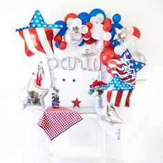 of July Party Balloon Tassel Party Box – Soiree Love Balloon Tassel, Balloon Banner, Balloon Arch, 5 Balloons, 4th Of July Celebration, 4th Of July Party, Fourth Of July, Party Box, Diy Party