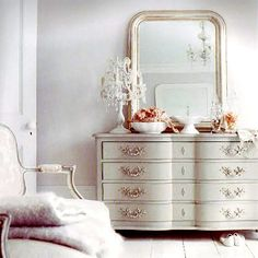 Gorgeous dresser, and, I have that mirror (antique steal, goodwill, $20!).