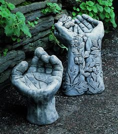 Now this is a cool pair of birdbaths!