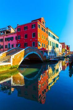 Burano, Veneto, Italy - The colors are so vibrant! Gorgeous!