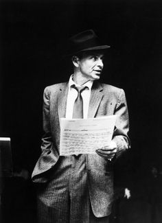 Might be my fave pic of him....besides his mug shot :) Vintage Hollywood, Classic Hollywood, Franck Sinatra, Sammy Davis Jr, Shirley Maclaine, Actrices Hollywood, Dean Martin, Music Icon, Famous Faces