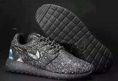 reputable site 9a7b4 d623f Roshe Run Shoes, Nike Roshe Run, Nike Free Runs, Basketball Shoes, Ticks
