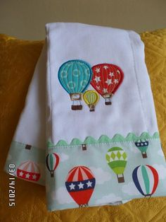 51 Trendy sewing baby bibs bebe - sewing a blanket Baby Burp Rags, Baby Burp Cloths, Cloth Diapers, Baby Bibs, Embroidered Baby Blankets, Baby Sheets, Sewing Machine Embroidery, Baby Sewing Projects, Baby Quilts
