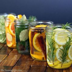 Again with the colors of citrus and natural materials. I also like original idea behind this post - natural room scents! _ DIY Natural Room Scents (this is such a great idea! Pot Mason, Mason Jars, Room Scents, Pot Pourri, Do It Yourself Inspiration, Ideias Diy, Tips & Tricks, House Smells, Natural Cleaning Products
