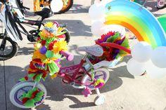 triciclo primavera arcoiris globos