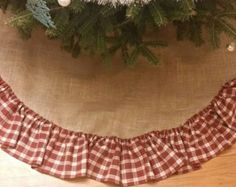 Easy sewing projects for beginners tree skirts christmas tree plaid burlap tree skirt doing this and getting handprints on it solutioingenieria Choice Image