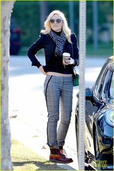Rad chick! I love clothes and absolutely love Gwen's style. Going to find these pants!