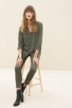 Olive is the must-have colour for the new season. The military look gets a feminine update with a hint of lace and makes us want to go head-to-toe in olive slim leg a pants and an olive blouse. Military Looks, Military Jacket, Workwear Fashion, Office Looks, Professional Women, Slim Legs, Sophisticated Style, Work Wear, Fashion Online