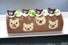 Jaconde cake with teddy bear design. In Japanese.