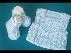 easy baby shoes (with two skewers) - Babykleidung Knit Baby Dress, Knitted Baby Clothes, Crochet Baby Shoes, Crochet Slippers, Knit Crochet, Baby Knitting Patterns, Baby Boy Knitting, Knitted Booties, Baby Booties