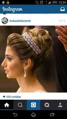 perfect to pin dupatta with hair accessory!!