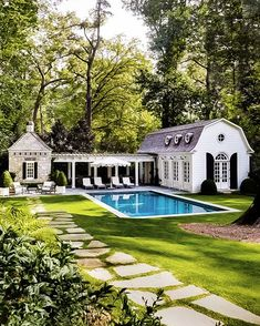 The Perfect Pool House is part of Dream house exterior - Today I thought I'd talk about the ultimate summer living accessory, the pool house the perfect great escape! Casas Na Georgia, Style At Home, Outdoor Spaces, Outdoor Living, Pool House Designs, House Of Beauty, Dream House Exterior, Colonial House Exteriors, House Goals