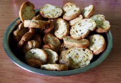 Fokhagymás kenyérchips Tapas, Stuffed Mushrooms, Vegetables, Food, Stuff Mushrooms, Essen, Vegetable Recipes, Meals, Yemek