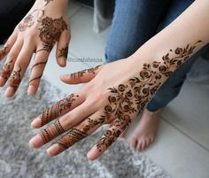 Beautiful Mehndi Design - Browse thousand of beautiful mehndi desings for your hands and feet. Here you will be find best mehndi design for every place and occastion. Quickly save your favorite Mehendi design images and pictures on the HappyShappy app. Mehandi Designs Images, Latest Henna Designs, Arabic Henna Designs, Bridal Henna Designs, Unique Mehndi Designs, Mehndi Designs For Fingers, Beautiful Mehndi Design, Simple Mehndi Designs, Henna Tattoo Designs