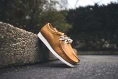 Clarks Shoes Mens, Mens Shoes Boots, Leather Shoes, African Inspired Fashion, Mens Fashion Shoes, Men's Fashion, Clarks Wallabee, Men Looks, Boat Shoes